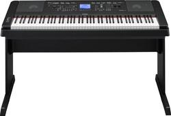 Yamaha DGX660B musta