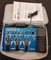 Boss ME-50, laukku ja verkkolaite (K)