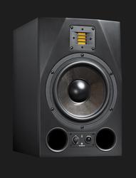 Adam A8X studiomonitori