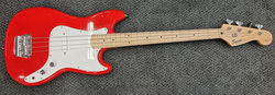 Squier 3/4 Bronco Bass (K) sis pussi