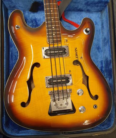 Baldwin Vibraslim Bass -66  (K)