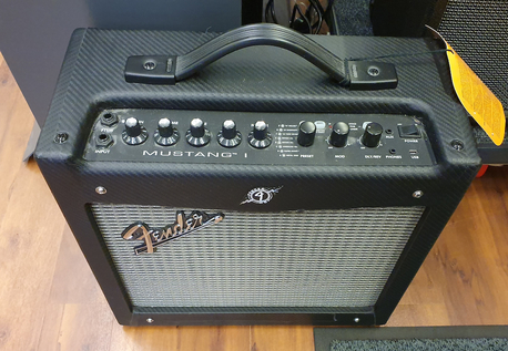 Fender Mustang I (K)