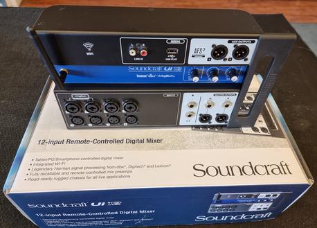 Soundcraft UI12 (K)